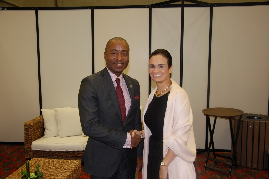 Minister Henfield and Panama Vice President and Foreign Minister